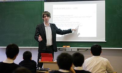 電子黒板を使用した授業風景。