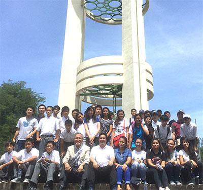 フィリピンマニラでの平和学習の様子