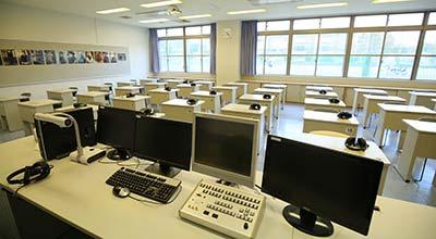 LL 教室
