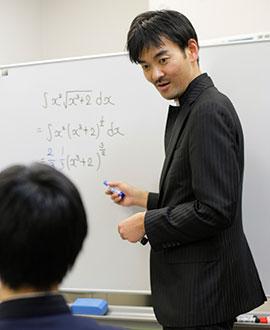 数学の先生の授業風景